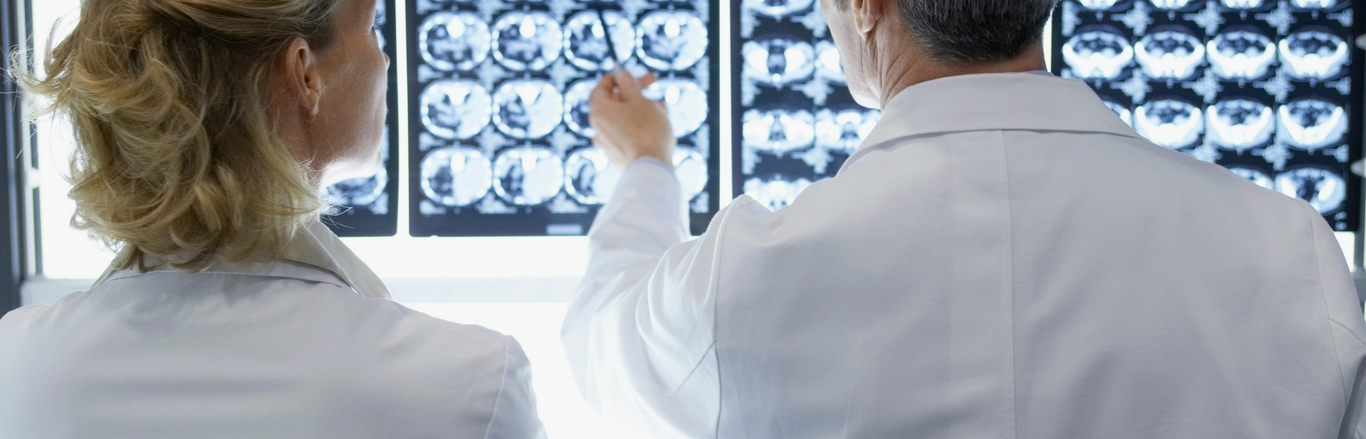 doctors reading ct scans